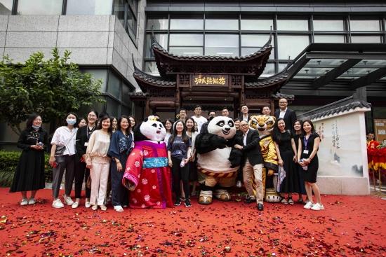 功夫熊猫沉浸式国潮主题概念店爆红背后的商业逻辑!