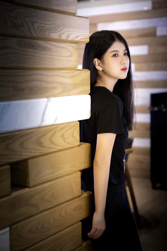 新生代原创歌手夏梓涵因写真太美爆火,新歌《真的假的》借势走红